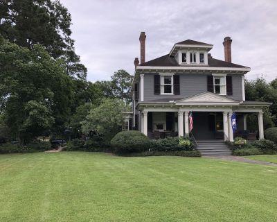 1901 Historic Home's Guest Cottage - Lafayette