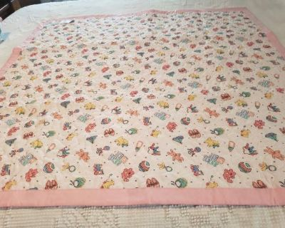 Baby Toys in Pinks Crib quilt