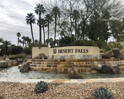Desert Falls Oasis - 2 Bed, 2 Bath, Sleeps 4 - Palm Desert