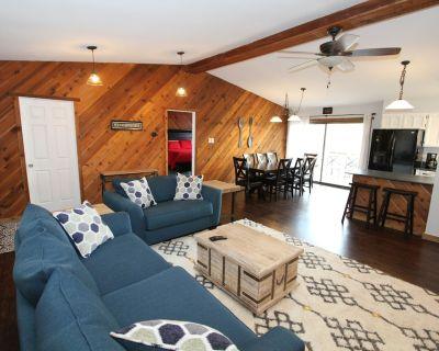 Breathtaking View, Hot Tub, AC & Gas Grill - Elk Vista: 3 Bedroom, Sleeps 8 - Ruidoso