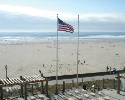 Beachfront Seaside, 1-Bedroom Suite + Amenities - Seaside Gilbert District