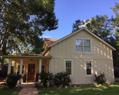 Beautiful Cottage On Fairhope Avenue, Walking Distance To Downtown - Fairhope