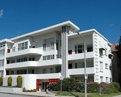 330 South Almont Drive #D4, Los Angeles, CA 90048 1 Bedroom Apartment
