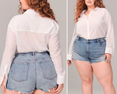Abercrombie & Fitch Curve Love High Rise Mom Jeans