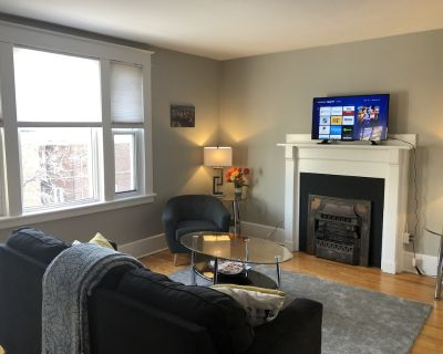 Bright, Clean, Private. Downtown Ottawa. Parking, Wifi and Internet Included - Centretown