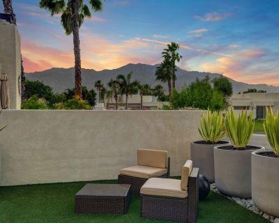 Casa Noir @ Fairways 1000sqft Luxury Townhome - Palm Springs