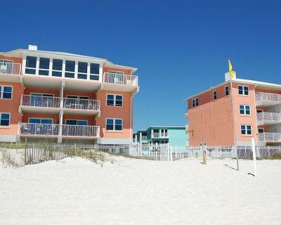 Harbor House 5: 2 Bedroom/1 Bathroom Gulf Front Condo sleeps 7 - Gulf Shores