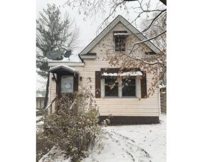 2 Bed 1 Bath Foreclosure Property in Virginia, MN 55792 - 15th St N