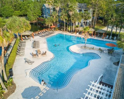 Amenity Filled Apartment in Jacksonville - Southside