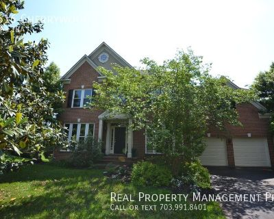 Beautifully Updated and Maintained Colonial for Rent in Potomac Lakes!