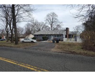 3 Bed 2 Bath Preforeclosure Property in New Milford, CT 06776 - Candlewood Lake Rd N