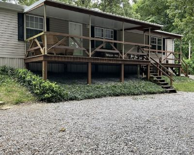 """The Fisherman""""s Cottage located at historic Grand Rivers. - Grand Rivers"""