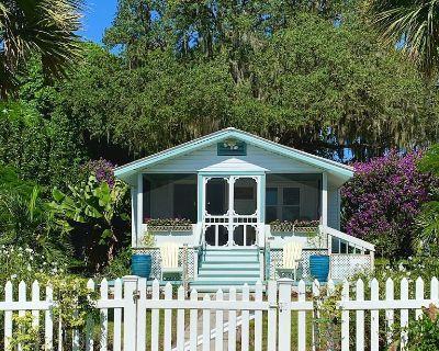 Charming 1935 Florida Cottage overlooking Lake Tulane - Avon Park