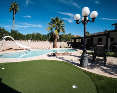 5 Min to Old Town- Private Pool, Putting Green, & Foosball! 20% Weekly discounts - Park Scottsdale Nine