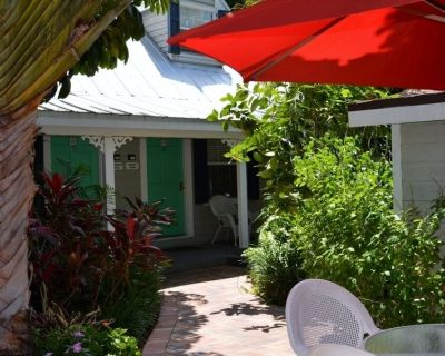 @@ Steps from Duval 1 Bedroom Townhouse in great complex Hidden secret @@ - Downtown Key West