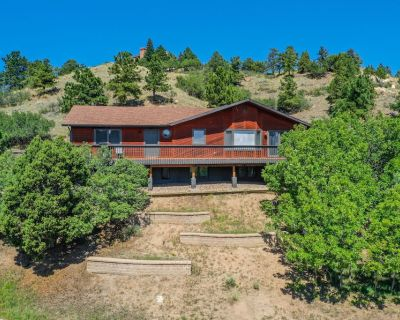 Mountain Views Close to Town Hot-Tub Pet-Friendly 5 BR - Woodmen Valley