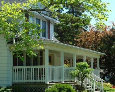 3 Bdrm Private Cottage in Heart of Niagara, walk to Town and Minutes to Wineries - Old Town Historic District