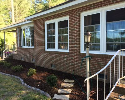 The River House Getaway! Come Relax and Enjoy! - Petsworth