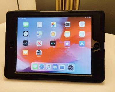iPad Mini 2 (32G with Griffin Hard Case + Stand + Screen Protector