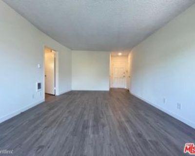 1700 Malcolm Ave #306, Los Angeles, CA 90024 3 Bedroom Condo