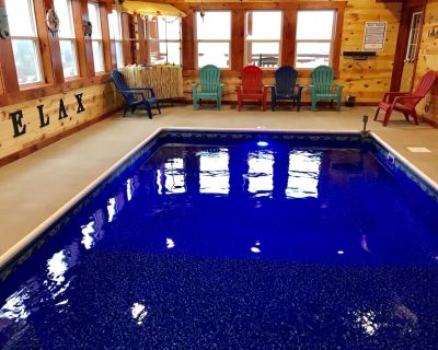 Private in-Cabin Heated Pool-Game Rm-Theater- King Beds -Views-Sleeps 32-EV3 - Pigeon Forge