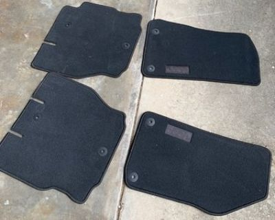 Texas - Black interior carpet + new carpet floor mats