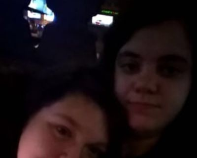 April & Alexis, 21 years, Females - Looking in: Belvidere IL