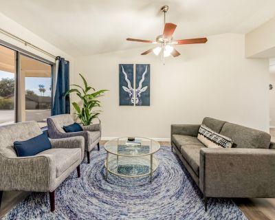 Beautiful, dog-friendly Mesa family home w/ private BBQ & enclosed yard - Mesa