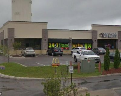 White Oak Plaza Retail Space For Lease
