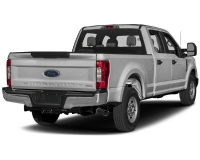 Pre-Owned 2017 Ford Super Duty F-350 SRW Lariat 4WD Crew Cab 4WD Pickup