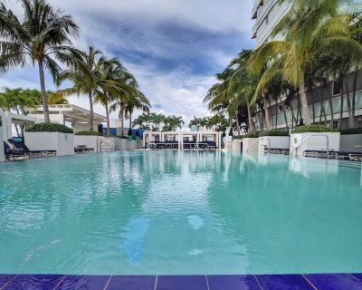 Modern Luxury Beach Hotel Large 2 Bedroom Suite on the 22nd floor - Central Beach
