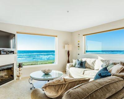 Oceanfront Oasis w/ Scenic Balcony, Beach Access, WiFi, Fireplace - 2 Dogs OK - Westport