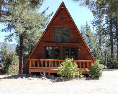Cozy A-frame Cottage - Pine Mountain Club
