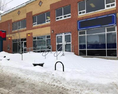 1200 sqft commercial space with access ramp for the disabled in Sherbrooke