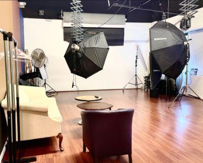 Professional Photo Studio in Ashburn, VA, Ashburn, VA