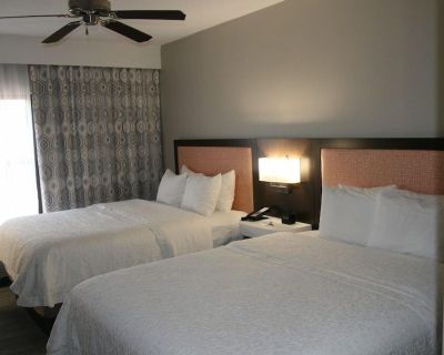 2-bedroom Suite at Hampton Inn & Suites Concord Charlotte by Suiteness - Concord