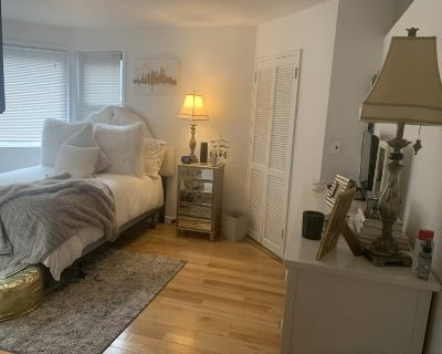 Sublet- Large Bedroom in Kips Bay Apartment