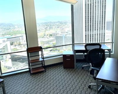 Private Office for 6 at US Bank Tower