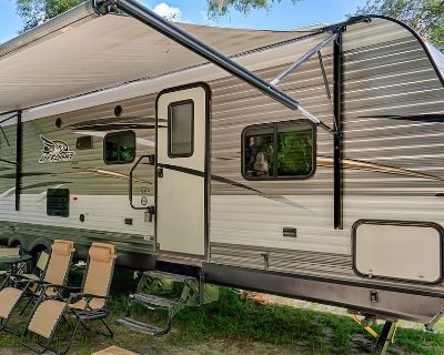 Old Florida Camping in Comfort at the Springs - Trenton