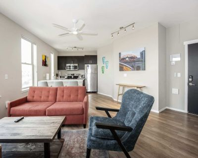 Kasa Denver Stocked Kitchen, In Unit W/D + Self Check-In LoHi - Highland
