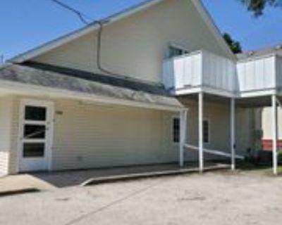 806 806 Dekalb Ave 4, Sycamore, IL 60178 3 Bedroom Apartment