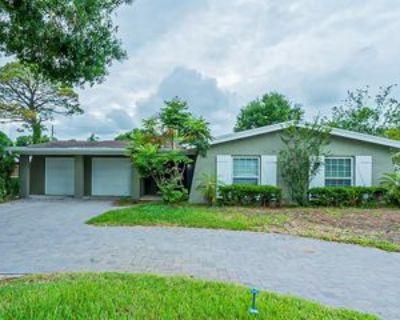 1515 Oxford Rd, Maitland, FL 32751 4 Bedroom Apartment