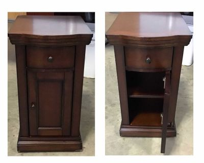 Chairside Table with Power Preowned