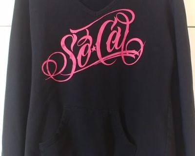 SoCal Pullover With Hood