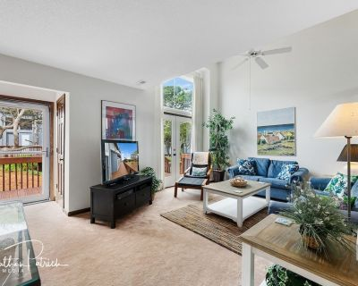 3 BR Oceanfront Townhome - Remodeled Kitchen & Baths, Views Pool WiFi - Pine Knoll Shores