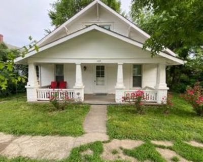 309 East Mississippi Street #A, Liberty, MO 64068 2 Bedroom Apartment