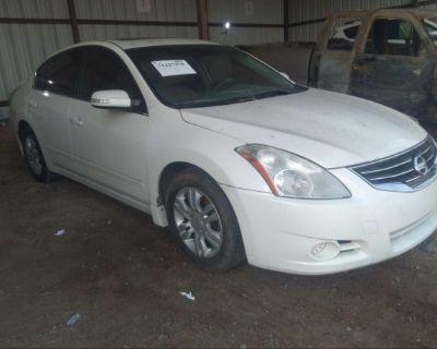 Salvage White 2011 Nissan Altima