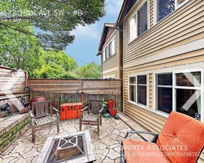 Fully furnished home in West Seattle