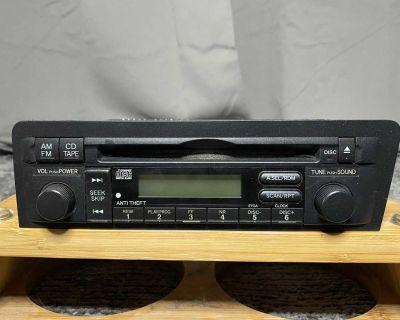 2004-2005 Honda Civic AM/FM Radio & CD Player - Used, OEM
