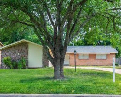 9319 Val Verde St, Houston, TX 77063 3 Bedroom Apartment